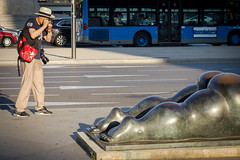 A Labour of Love (ra_fus) Tags: madrid street people urban sculpture color bus statue spain photographer candid sunny cameras canoneos550d