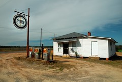 Pure (MilkaWay) Tags: usa abandoned america shell gasstation roadside pure gaspumps countrystore theforgotten johnsoncounty ruralgeorgia freehome us319