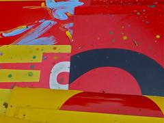 Blech (web.werkraum) Tags: urban germany deutschland colorful europa expression ks farbe 2012 blech dokumentation tresh berlinpankow dasdasein bildfindung tagesnotiz webwerkraum karinsakrowski strasevorschnholz treshfund