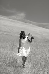 A Gentle Prairie Breeze (Scott Withers Photography) Tags: woman washington 1930s depressionera canon85mmf12lii modelmarianela