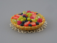 Spring Fruit Tart (Shay Aaron) Tags: food cake pie dessert miniature handmade mini polymerclay fimo tiny tart 12th 112 dollhouse petit oneinchscale shayaaron