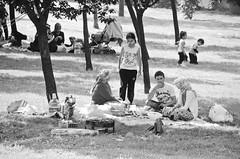 Sunday in the park (Maríon) Tags: street travel bw white black turkey nikon istanbul marion reise tyrkia supermarion nesje d7000 marionnesje
