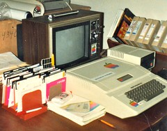 apple childhood computer early texas technology geek jobs space sony steve stickers memories machine first monitor disk poke floppy tables cult peek 1978 chic language shape 1979 jurvetson trinitron stmarks 48k influence verbatim 16k diskii mostek pr6 call151