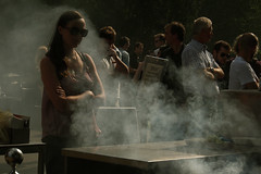 Tate Modern (Che-burashka) Tags: street people london girl candid smoke kitlens omd 1250 em5 olympus1250f3563