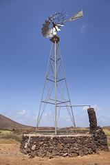 Viejo molino para bombear agua de mar. (www.rojoverdeyazul.es) Tags: fuerteventura islas canarias canary islands espaa spain autor lvaro bueno isladelobos island molino de viento windmill