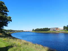 River Dee, Aberdeen, August 2016 (allanmaciver) Tags: river dee aberdeen city centre silver grampian east coast deep blue water curve trees viewpoint allanmaciver
