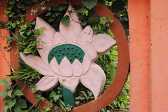 Le lotus rose (So_P) Tags: bouddhisme pagode svres tinh tam