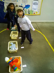 Aprendendo a reconhecer as letras - educao infantil (Colgio Razes) Tags: colgio razes educao infantil alfabetizao ensino forte sistemabilngue mogi das cruzes escola