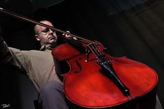 Domnech (Pau Pumarola) Tags: violoncel violonchelo violoncelle cello msica musique music musik retrat retrato portrait portrt