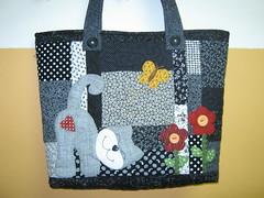 Bolsa (Zion Artes por Silvana Dias) Tags: bag quilt gato patchwork bolsa aplicação bolsapatchwork bolsatecido patchapliquê zionartes