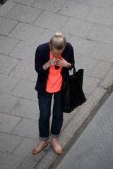 From Above (josephzohn | flickr) Tags: girls people fromabove smoker väska cigarett tjejer människor uppifrån brahegatan