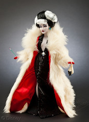 Limited Edition Disney Villains Designer Dolls - Cruella de Vil (IdleHandsBlog) Tags: disney animation cartoons disneyvillains fashiondolls