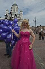 Jutta Pulkkinen, Stranger # 225 / 300 (Poupetta) Tags: balloons dragqueen helsinkicathedral liveandletlive equalityforall astrangerinhelsinki helsinkihelsingforsfinland helsinkipride2012 juttapulkkinen