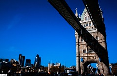 Tower Bridge - Tower of London - The Gherkin - London - England (TLMELO) Tags: inglaterra bridge england sky panorama london clock westminster rio thames towerbridge river jubilee bigben bluesky nelson games palace queen buckinghampalace greenpark londres years olympics anos riverthames gherkin elisabeth 60 30stmaryaxe toweroflondon jogos westminsterbridge reinounido palaceofwestminster lordnelson olimpics rainha london2012 swissrebuilding unitedkingdon riotmisa olmpicos tmisa jubileu mygearandme ringexcellence