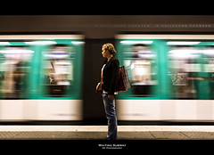 Waiting Subway (Guillaume Chanson) Tags: paris france speed canon pose underground subway waiting ledefrance mtro trail mouvement vitesse fil attente fixe canoneos5dmarkii