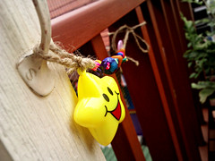 handmade door holder (som300) Tags: motorola zn5 diy cameraphone