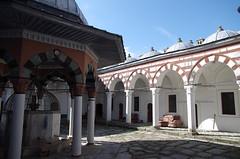 Mosque Tombul, Shumen : la Cour intrieure (magika42000) Tags: choumen bulgarie umen bulgaria mosque