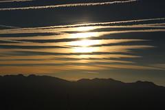 Zbra (leblondin) Tags: nuages clouds ciel sky montagne sunrise levdesoleil