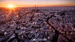Welcome to Paris [Explore #56] (Thomas Franke Photography) Tags: montparnasse pointofview city eifeltower eiffelturm sonnenuntergang sonne sun france gold goldenhour clouds sky skyline sunset paris