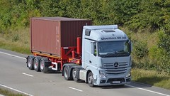 DK64 ESU (panmanstan) Tags: mercedes actros mp4 wagon truck lorry commercial container freight transport haulage vehicle a180 meltonross lincolnshire