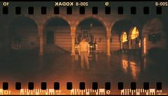 Un intruso nella Loggia (danielesandri) Tags: redscale pinhole 135mm kodak film pellicola udine tina135