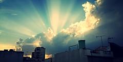 Puesta de sol en los tejados de Cieza (VilBer) Tags: puesta sol atardecer crepusculo rayo nube cielo cumulo