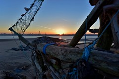 The Black Pearl, Driftwood ship, on the banks of the River Mersey, Liverpool, England. (pdean1) Tags: blackpearl artinstallation rivermersey sunrise liverpool