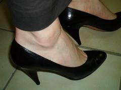 pas95noinad (grandmacaon) Tags: pumps highheels stilettos talonsaiguille escarpins classicpumps sexyheels hautstalons