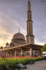 Putrajaya Mosque (SM 1 S) Tags: red islam mosque malaysia putrajaya putrajayamosque islamcultureandpeople