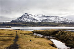 Breiðdalsvík (Le foto di Marietta) Tags: sea mountain iceland day mare cloudy neve montagna fiordo islanda breiðdalsvík