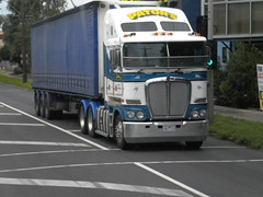 Paton's Kenworth K200 (KW BOY) Tags: new tractor truck prime big model highway cab transport over australian melbourne semi lorry rig hauling express trailer coe mover trucking kw 2012 kenworth haulage patons aerodyne k200