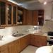 パイン材の節が特徴のカントリー風イケアのキッチンの写真