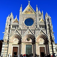 Siena's marvelous Duomo faade, Tuscany, Italy (Sir Francis Canker Photography ) Tags: blue sky italy art tourism architecture facade florence arquitectura italian italia cathedral artistic mosaic gorgeous gothic catedral style landmark lucca mosaico icon medieval tuscany firenze siena marble duomo toscana romanesque fachada medievale renaissance architettura impressive marvelous italie portada touristic medioevo orvieto tuscan rinascimento renacimiento pacocabezalopez sirfranciscanker