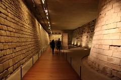 整面的古城墙都被搬到了博物馆里面...