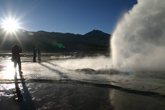 El Tatio (Nuuttipukki) Tags: chile morning sun nature water fountain spectacular landscape photography photo high desert altitude natur tourists atacama landschaft sonne geysir active wste geysers touristen