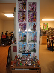 venture brothers dols & miscellaneous cartoon toys 1 (mikaplexus) Tags: favorite art kitchen toy toys tin fridge doll artist dolls brothers designer awesome alien cartoon arts vinyl mint rusty aliens collection collections artists carl mousepad meatwad collectible refrigerator lunchbox venture adultswim limited cartoons rare tins mib collectibles aquateenhungerforce collecting sealab collector arttoy err venturebrothers cartoonnetwork harveybirdman nickelodeon arttoys birdgirl designertoy vinyltoy ignignok unopened vinyltoys nestingdoll russiannestingdoll designervinyl ireallylike squidbillies mintinbox moralorel theventurebrothers metalocolypse rustyventure designervinyltoy