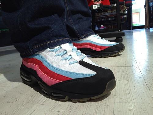 Nike Air Max 95 x Parra  Running Man   White   Black - Blue Chill ... e0aec4bfd
