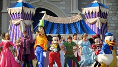 IMG_1607 (AlexGoldman) Tags: goofy canon orlando unitedstates florida magic dream july kingdom peterpan disney powershot disneyworld mickeymouse fl minniemouse wdw waltdisneyworld walt donaldduck themepark magickingdom fantasyland 2012 orlandofl centralflorida orlandoflorida cinderellacastle baylake dreamalongwithmickey magickingdompark sx260 july2012 canonpowershotsx260 canonsx260