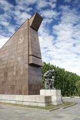Monument (daniel_james) Tags: 2016 berlin germany europe canon1022mm treptowerpark sowjetischesehrenmal sovietwarmemorial