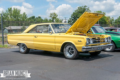 HotRodHulaHop16-0092 (Muncybr) Tags: carshow donmarcum hotrodhulahop photographedbybrianmuncy 1967 2016 440 bowling ohio plymouth satellite sequoia yellow columbus