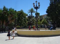 Jeux d'enfants (Iris@photos) Tags: espagne andalousie cadix place enfants jeux