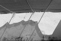 cara ~ face ~  (Rodrigo Uriartt) Tags: graphism shadow light luz sombra face cara mono fujifilm xpro1 50mm normal monochrome bw pb nocrop