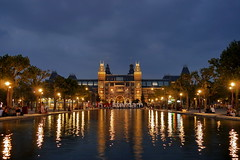 P2400536 (Lumixfan68) Tags: amsterdam rijksmuseum blaue stunde nachtaufnahmen sehenswrdigkeiten
