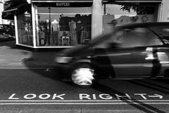 Look right --> (Dani B image) Tags: street city bw london look eos idea three cross right bn semaforo albero londra ef segnaletica dany 2012 scritta mosso bns benso efs1022mmf3545usm 40d