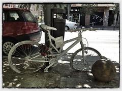 Da 10. En memoria (carlosviajero89) Tags: espaa valencia spain bicicleta bicicletas 2012 iphone project365 proyecto365das 365daysproyect carlosviajero89 carlospla carlosviajero carlosviajeropla