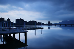 (Kaede Wu) Tags: city bridge sunset black nature canon photography ngc taiwan card  canonef1740mmf4lusm nationalgeographic dadaocheng   1d4  1div 1dmarkiv