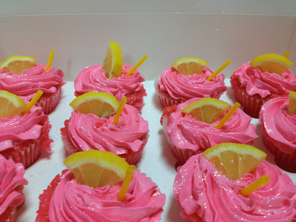 The World\'s Best Photos of couture and cupcakes - Flickr Hive Mind