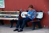 MF12-Random Program reader on ski bench-©Gusciora