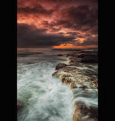 0H2C1164 (Taha Elraaid) Tags: camera sky seascape nature water clouds sunrise canon oz australia amateur canoneos gong taha wollongong waterscape  thegong   wollongongcity  canoneos5dmarkiii elraaid  tahaphotography tahaelraaid