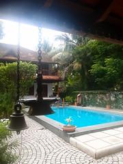 Secret Garden (Carrascal Girl) Tags: secretgarden hotel boutiquehotel kochi fortkochi india accommodation lodging swimmingpool lamp